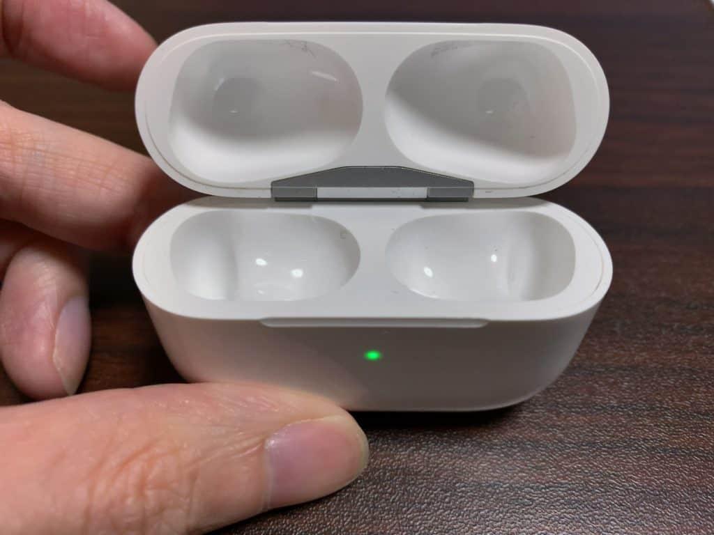 AirPods Pro 充電ケース