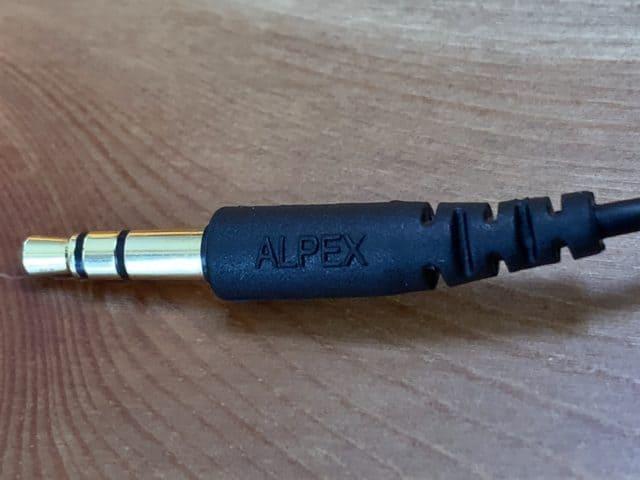 有線ピヤホン HSE-A1000PN プラグ部