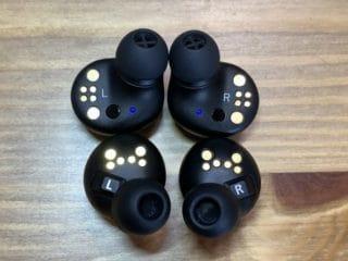 EAH-AZ70W MOMENTUM True Wireless 2 本体内側比較