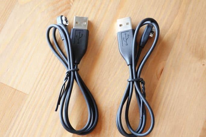 充電ケーブルは2本付属