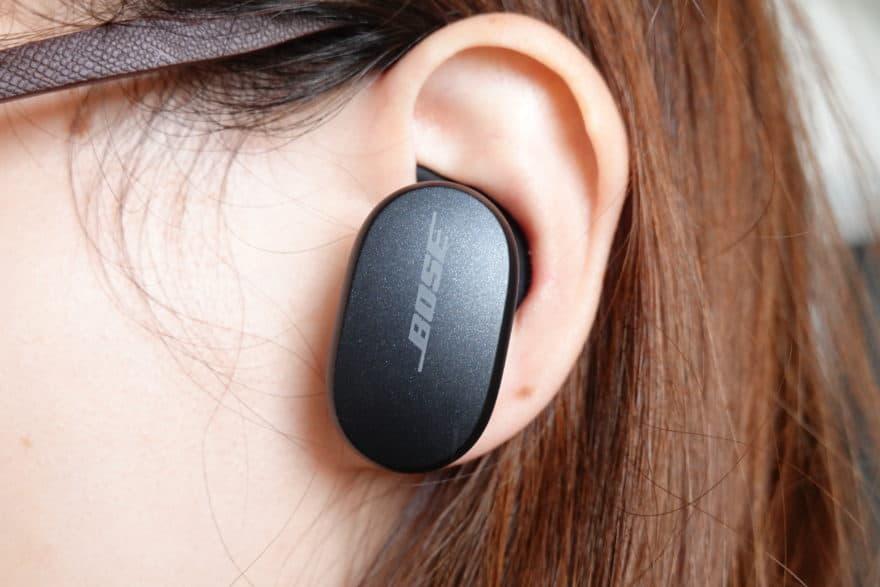 QuietComfort Earbudsを装着