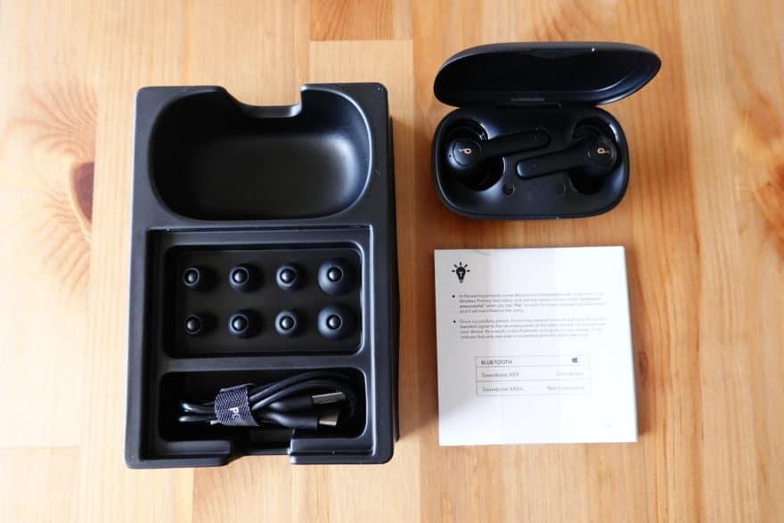 付属品|イヤーピース、USBケーブル、マニュアル