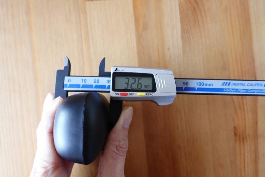 厚み:32.6mm