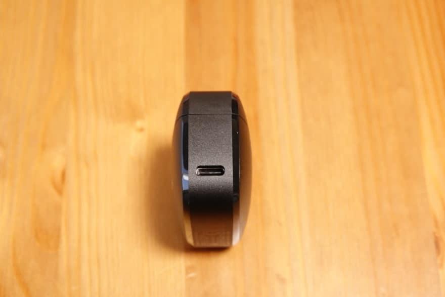 充電端子はUSB Type Cを採用
