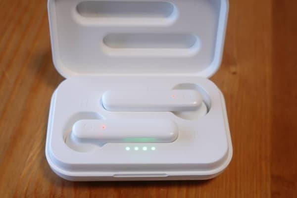 3coins ワイヤレスイヤホン(インナーイヤー型)充電ケース