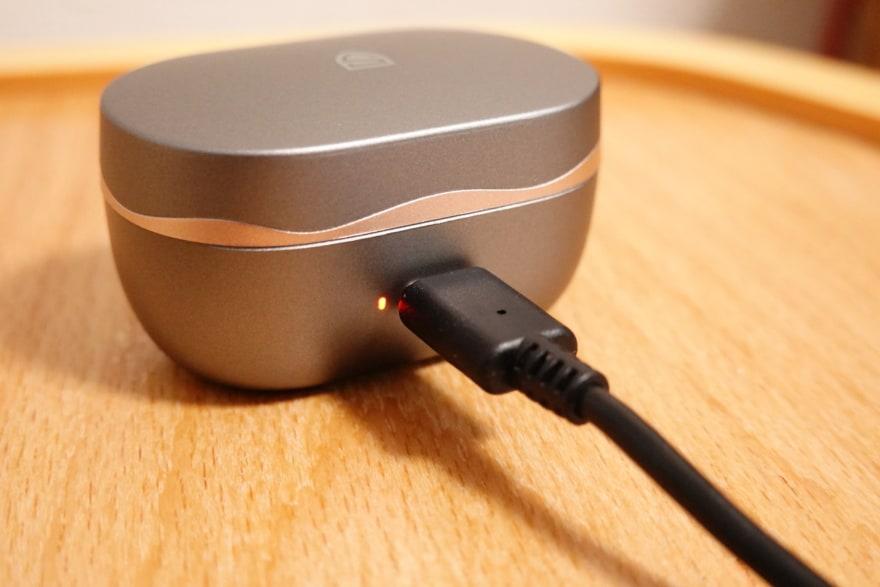 USB-Cの充電に対応