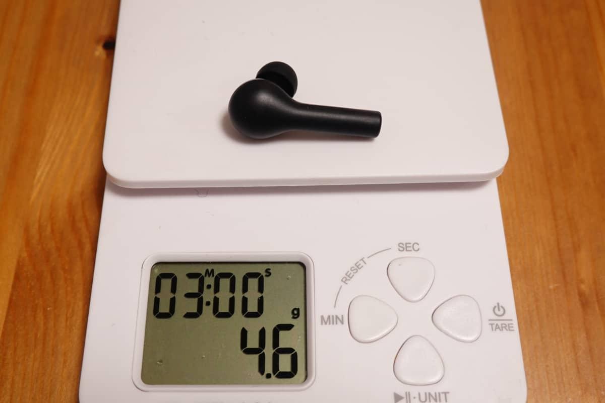 AUKEY EP-T21のイヤホン本体の重さは4.6g。