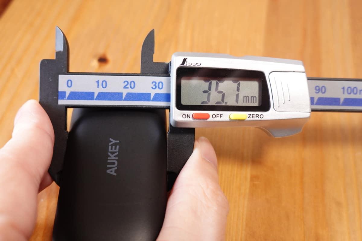 AUKEY EP-T21の縦幅35.7mm