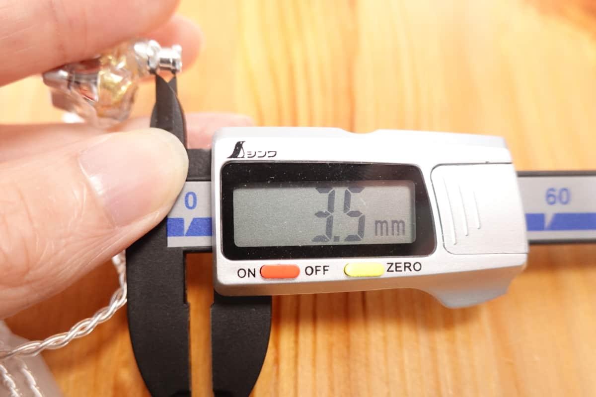 KZ DQ6のノズル長は3.5mm