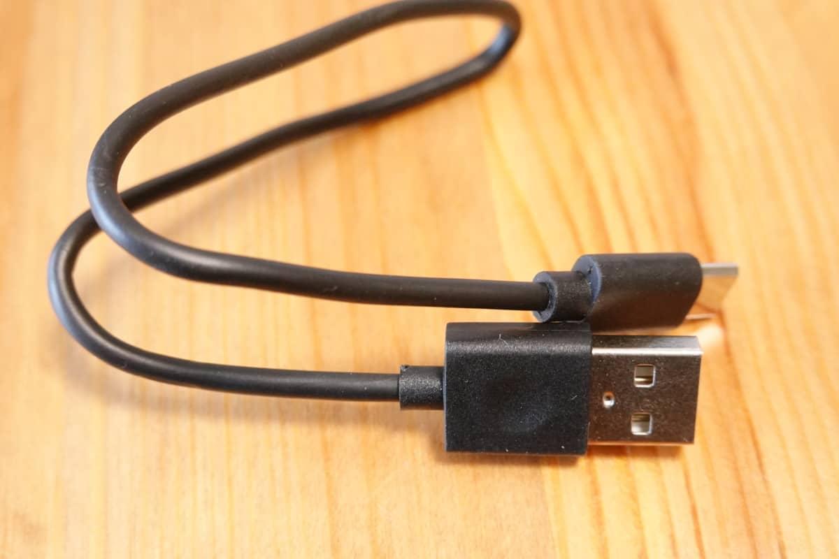 EarFun Free Proに付属するUSB-Cケーブル