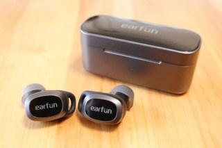 EarFun Free Proの充電ケースと本体