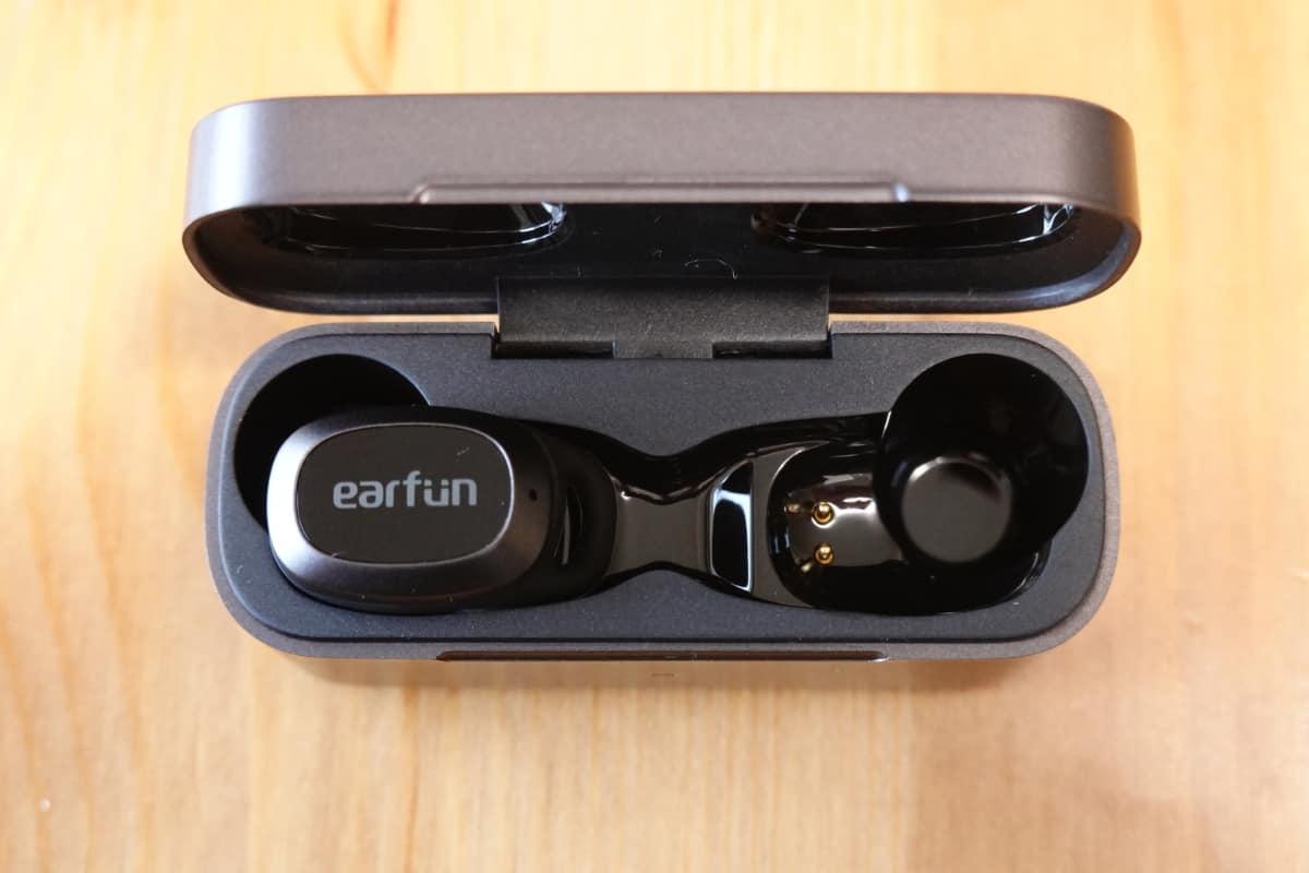 EarFun Free Proの充電ケース内側