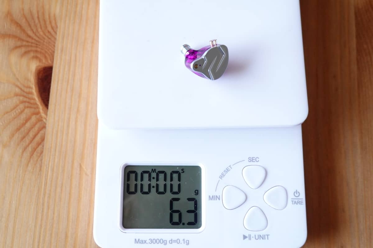 KZ ZSN Proの本体の重さは6.3g