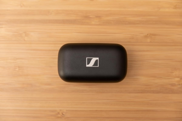 CX Plus True Wireless 充電ケース