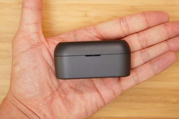 EAH-AZ60 充電ケース